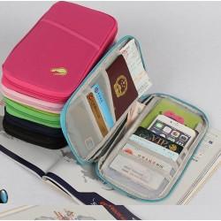 Étui à passeport et documents de voyage
